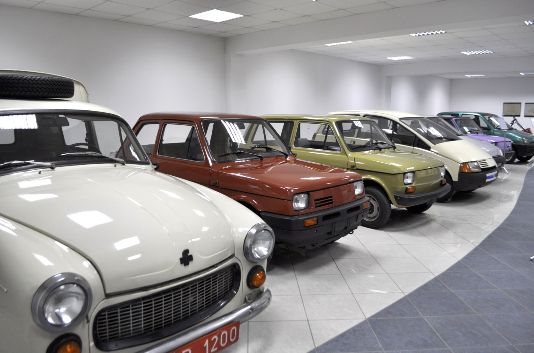 """Sala prototypów w OBR SM """"Bosmal"""""""